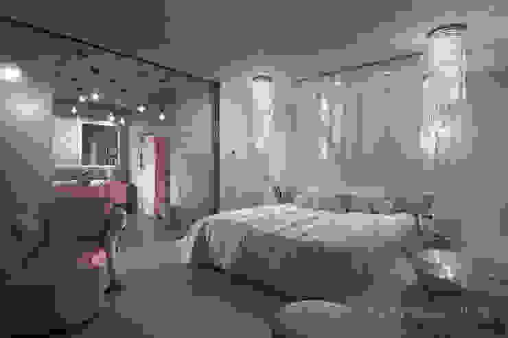 Fashion apartment Спальня в эклектичном стиле от Yakusha Design Эклектичный