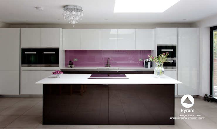 """Long"" Island Kitchen Modern kitchen by homify Modern"