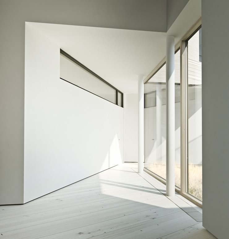 psh Minimalist corridor, hallway & stairs
