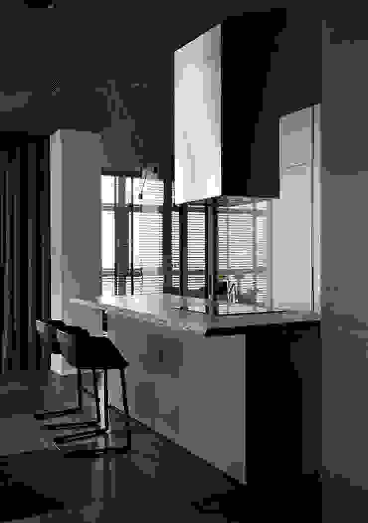 Квартира для Космополита Кухня в стиле минимализм от INCUBE Алексея Щербачёва Минимализм