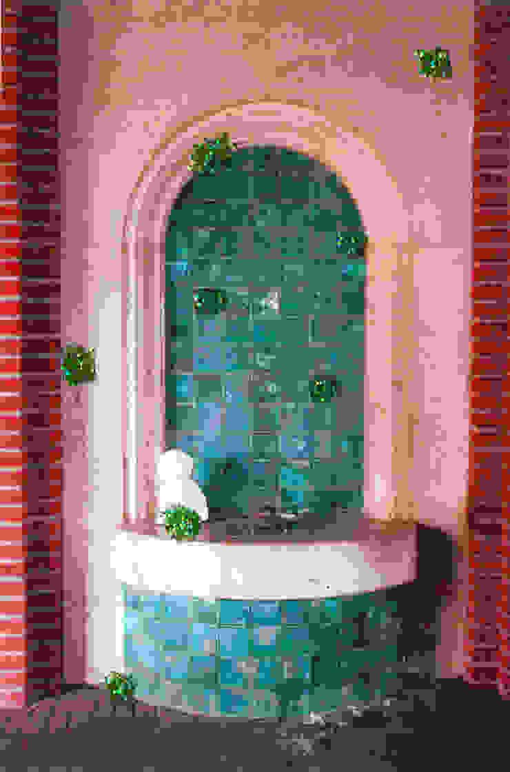 004: modern  door Lianne Louise, Modern