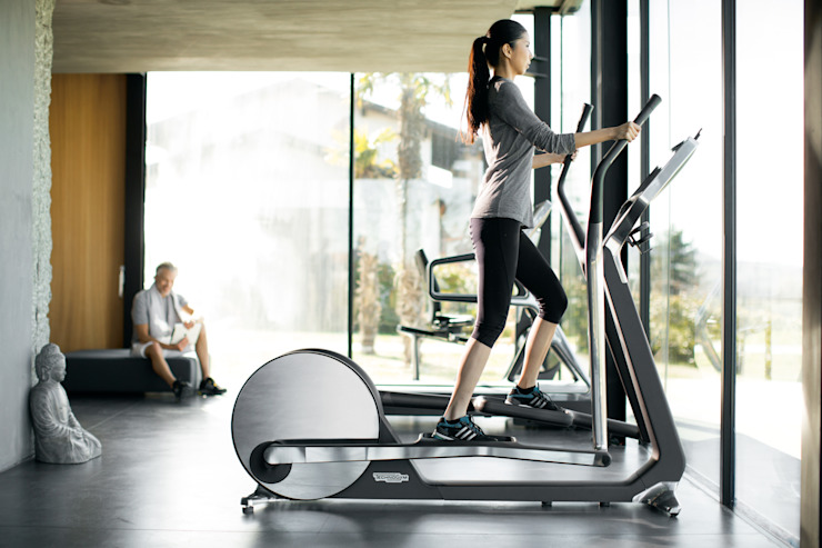 CROSS PESONAL Moderner Fitnessraum von Technogym Germany GmbH Modern