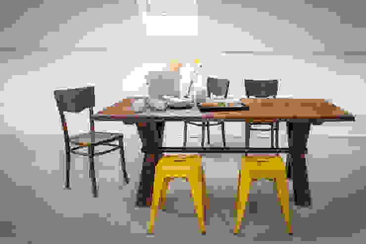 Stół Industrialny X-frame od Kornik Industrialny