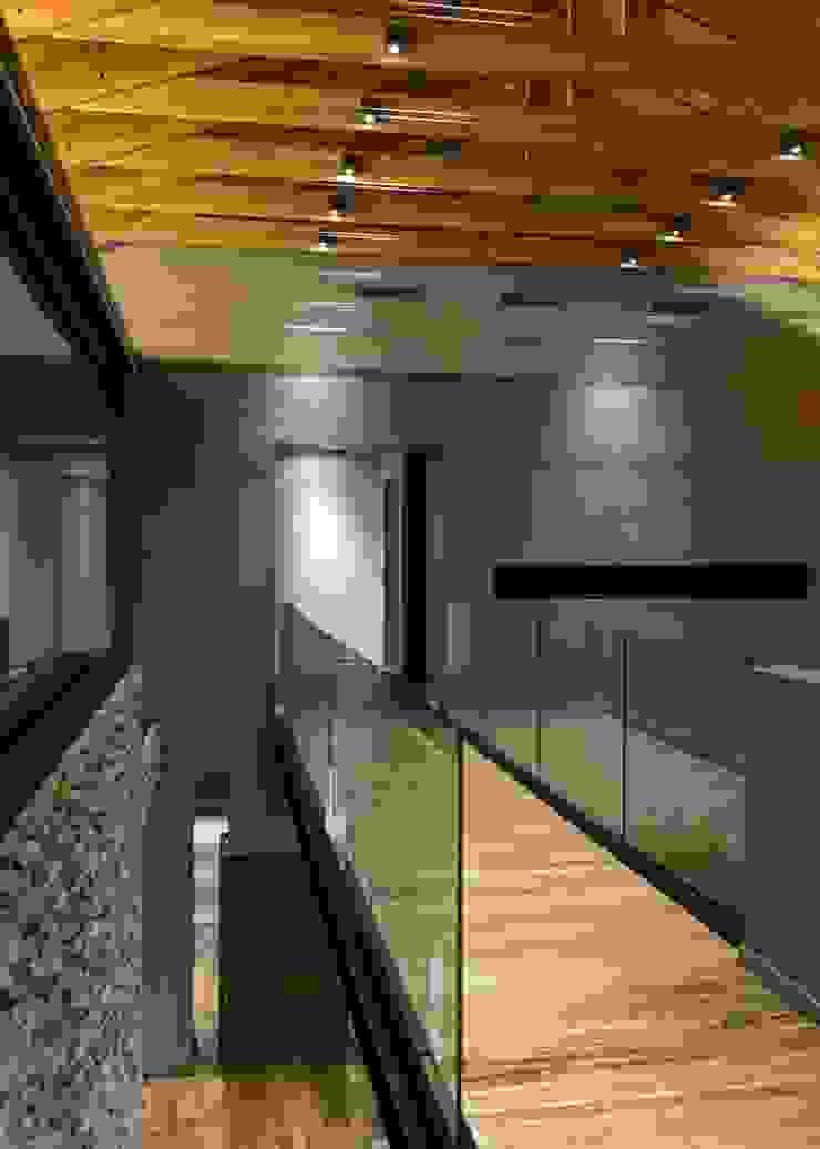 House in Blair Atholl Nico Van Der Meulen Architects Moderner Flur, Diele & Treppenhaus