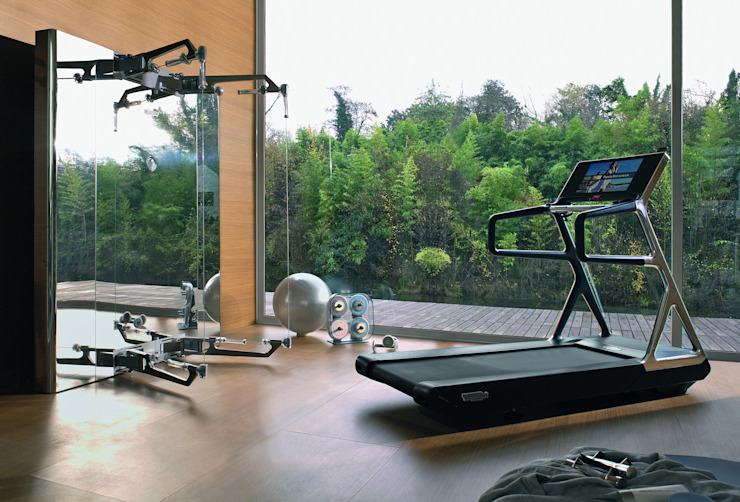Modern gym by Technogym Germany GmbH Modern