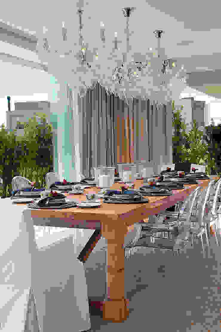 Casa da Praia / Beach House Salas de jantar clássicas por Luciano Teston Clássico