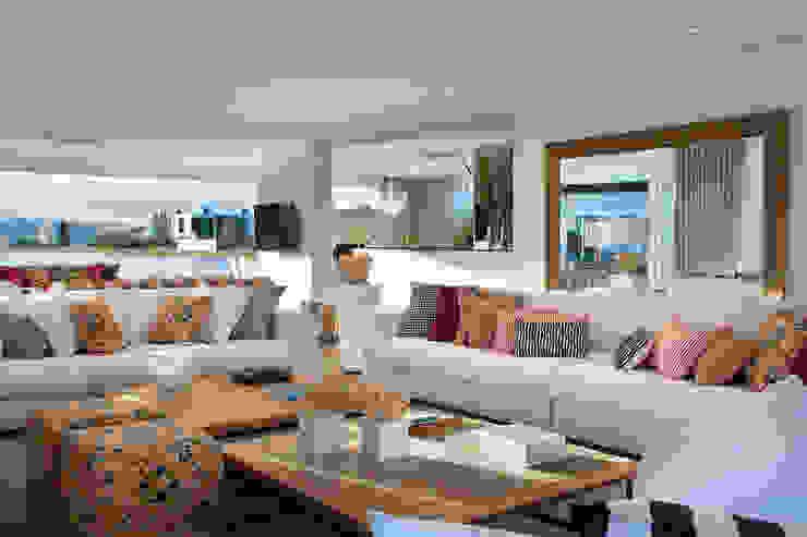 Casa da Praia / Beach House Salas de estar clássicas por Luciano Teston Clássico
