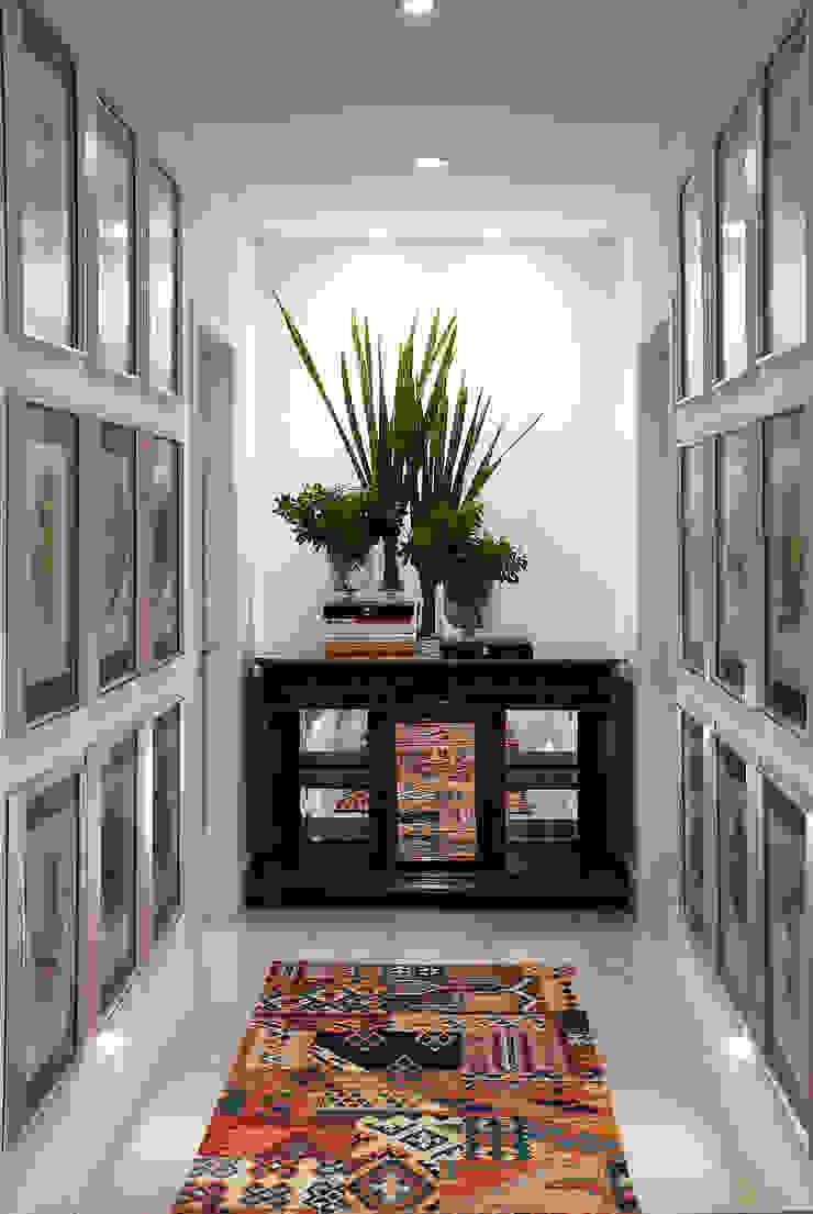 Casa da Praia / Beach House Corredores, halls e escadas clássicos por Luciano Teston Clássico
