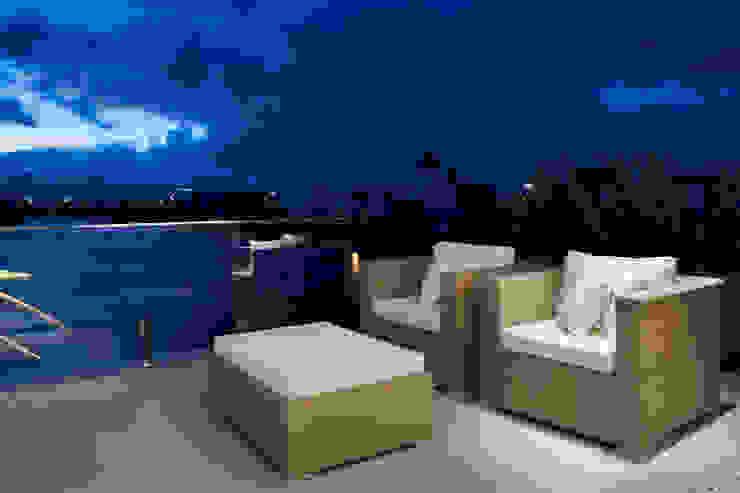 Casa da Praia / Beach House Varandas, alpendres e terraços clássicos por Luciano Teston Clássico