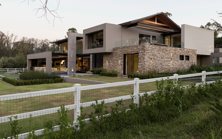 House in Blair Atholl Modern houses by Nico Van Der Meulen Architects Modern