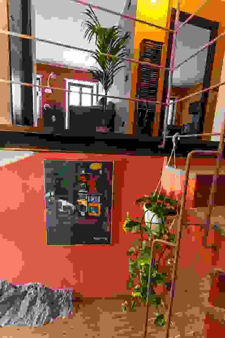 scala e solaio in vetro UAU un'architettura unica Ingresso, Corridoio & Scale in stile moderno
