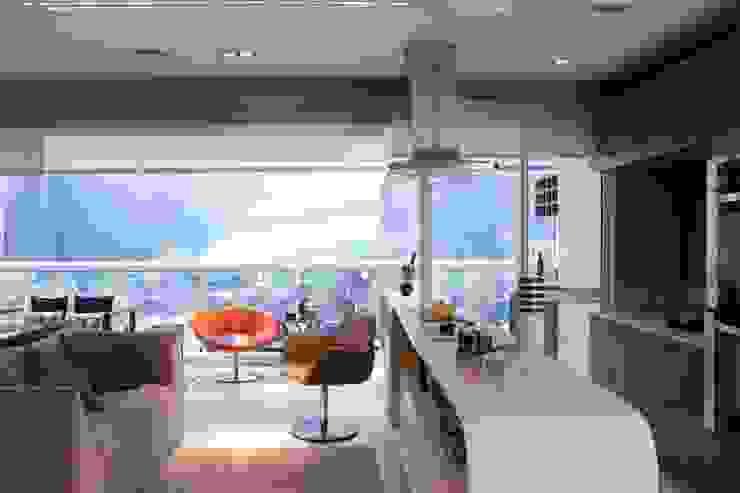 Integração da sala e cozinha Cozinhas modernas por Ana Bartira Brancante Arquitetura Moderno