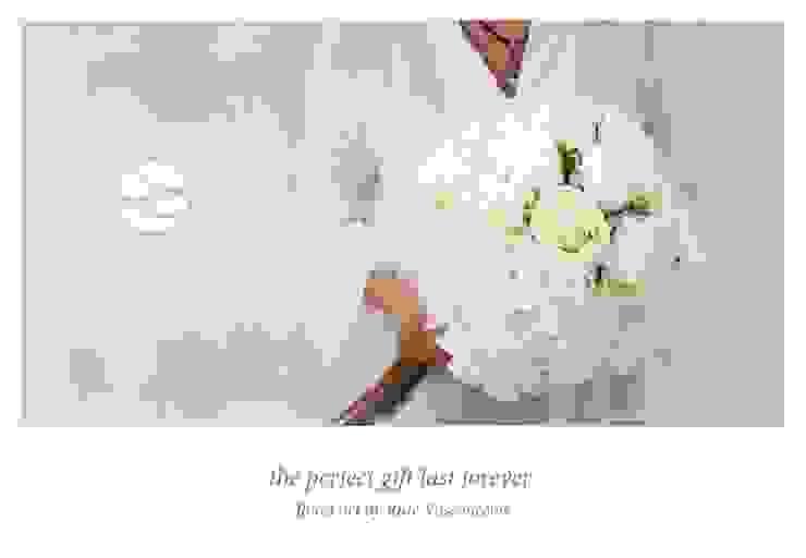 White Rose Buds and White Hydrangeas Materflora Lda. Paisajismo de interiores