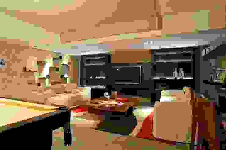 SALA DE JOGOS Salas de estar modernas por Adriane Cesa Arquitetura Moderno