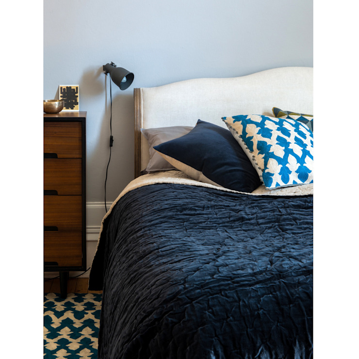 Velvet Linen Bedspread (Navy / Natural Linen): modern  by Niki Jones, Modern