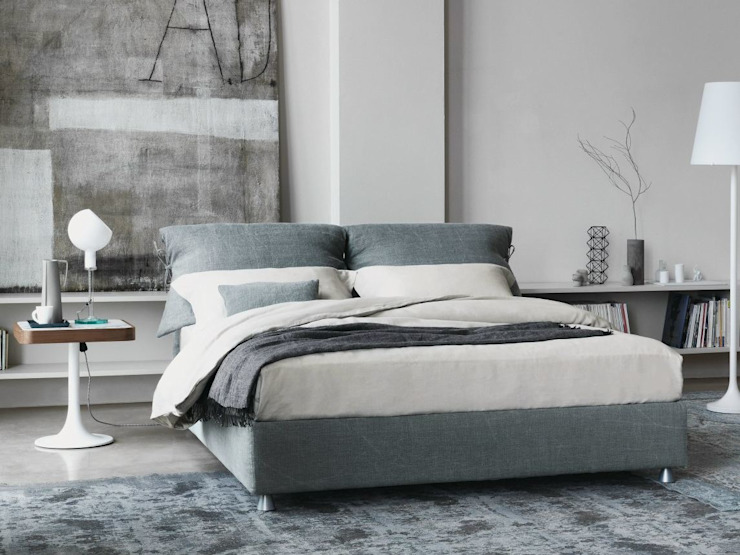 Nathalie Bed by Flou: modern  by Campbell Watson, Modern