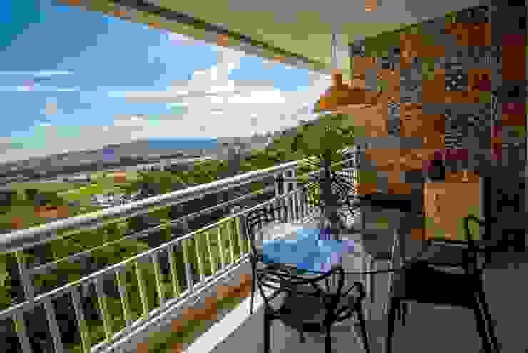Nowoczesny balkon, taras i weranda od Le Haus - Arquitetura +Design Nowoczesny