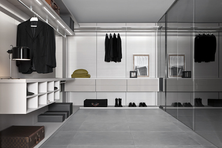 Anteprima Walk In Wardrobe: modern  by Campbell Watson, Modern