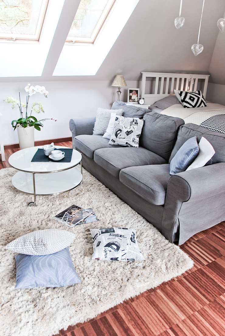Scandinavian style living room by YNOX Architektura Wnętrz Scandinavian