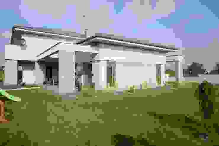 Dom jednorodzinny Nowoczesne domy od Sasiak - Sobusiak Pracownia Projektowa Nowoczesny