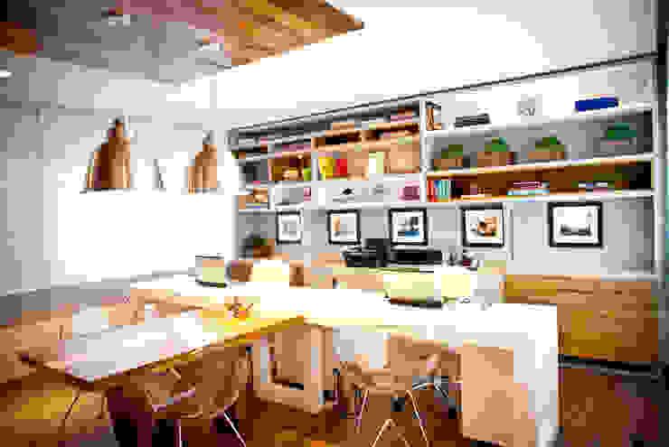 Joana & Manoela Arquitetura Office spaces & stores