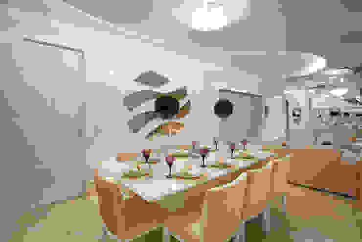 Apartamento Jatobá Salas de jantar modernas por Designer de Interiores e Paisagista Iara Kílaris Moderno