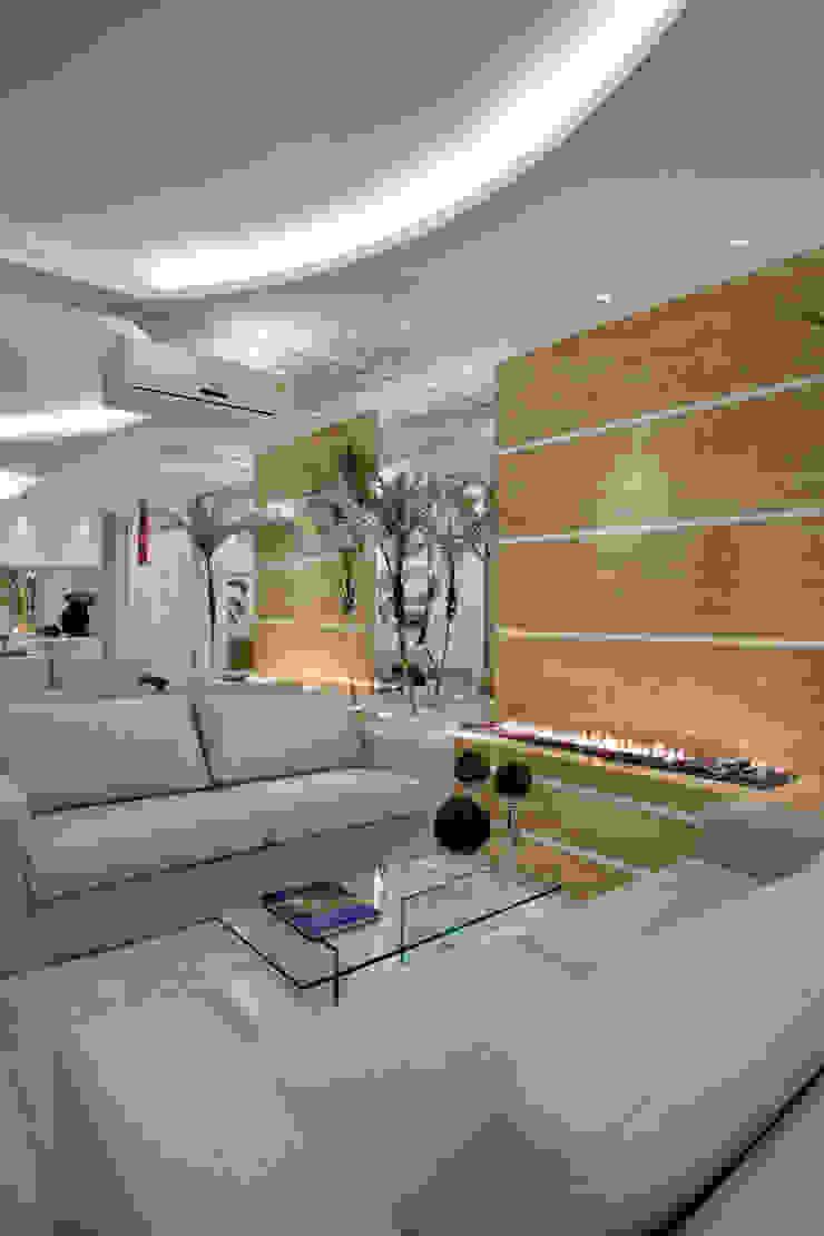 Apartamento Jatobá Salas de estar modernas por Designer de Interiores e Paisagista Iara Kílaris Moderno