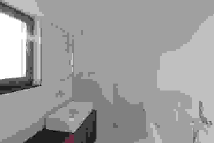 Turismo rural Casas da Vereda Casas de banho minimalistas por Mayer & Selders Arquitectura Minimalista