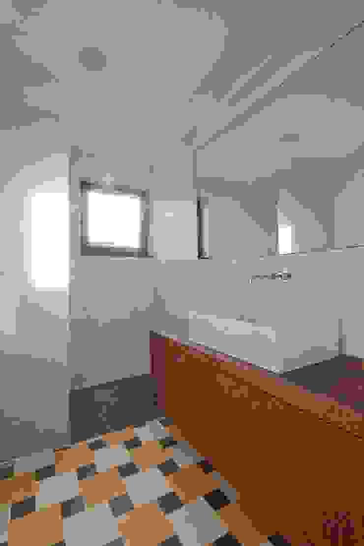 Turismo rural Casas da Vereda Casas de banho modernas por Mayer & Selders Arquitectura Moderno