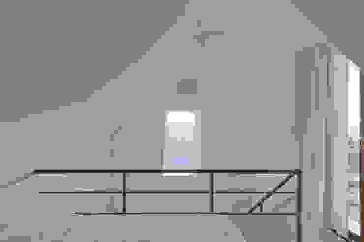 Turismo rural Casas da Vereda Quartos minimalistas por Mayer & Selders Arquitectura Minimalista