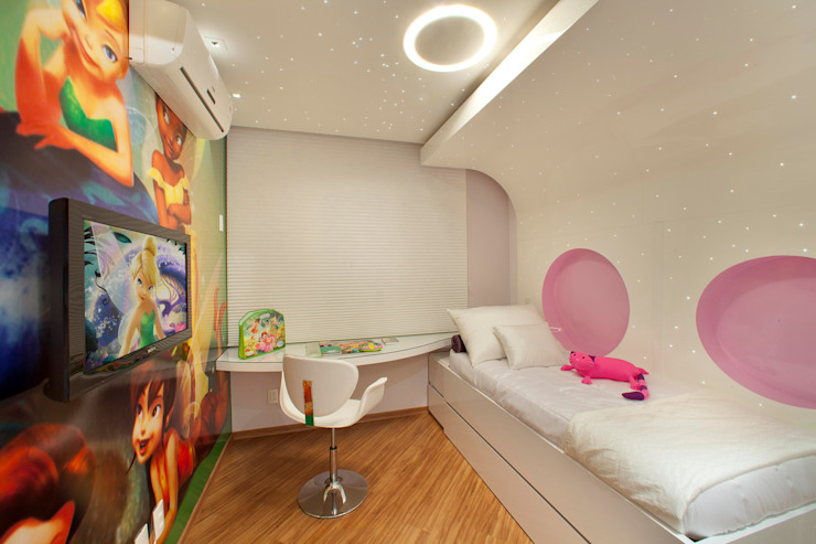Modern nursery/kids room by Designer de Interiores e Paisagista Iara Kílaris Modern