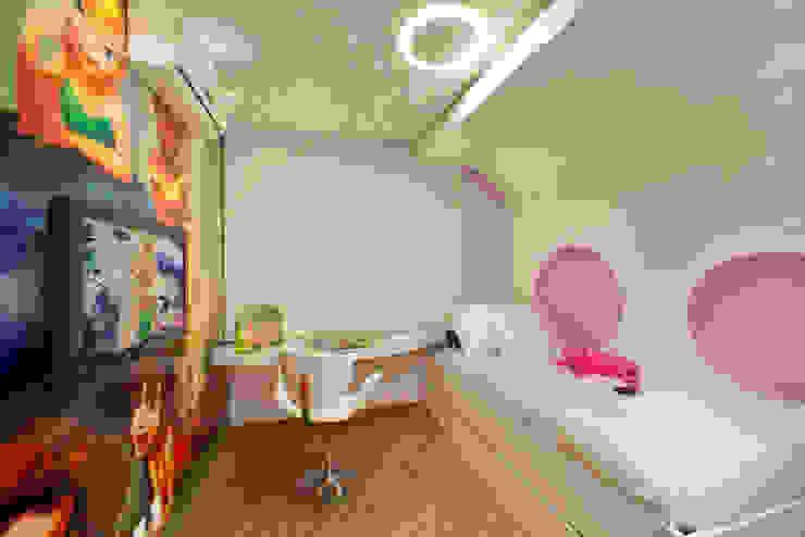 Apartamento Jatobá Quarto infantil moderno por Designer de Interiores e Paisagista Iara Kílaris Moderno