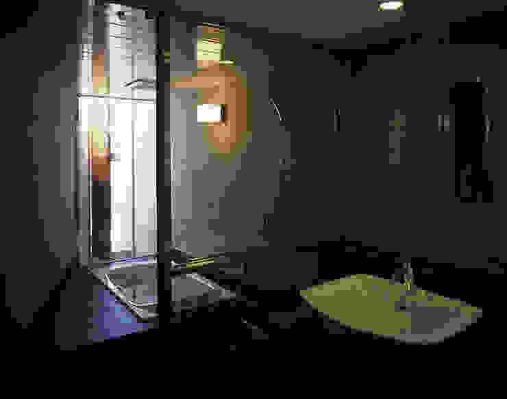 止静と家 モダンスタイルの お風呂 の +0 atelier | プラスゼロアトリエ モダン