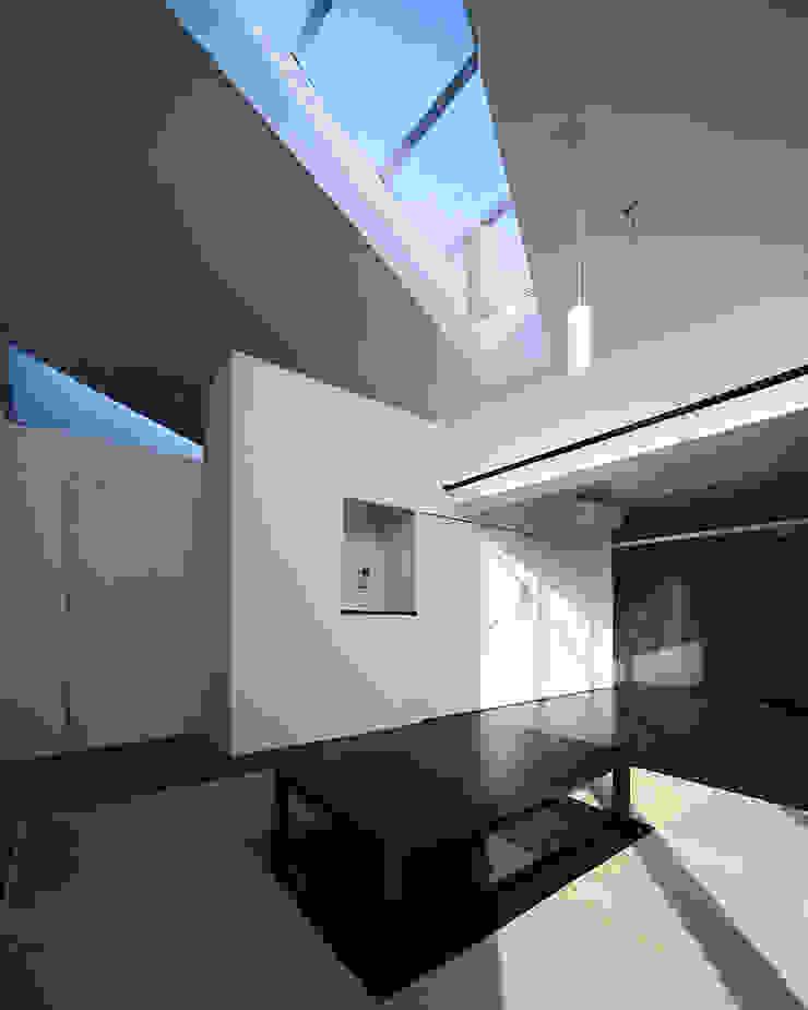 コトコト モダンデザインの リビング の +0 atelier | プラスゼロアトリエ モダン