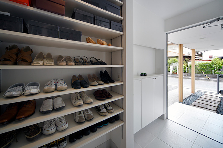 UMH モダンスタイルの 玄関&廊下&階段 の +0 atelier | プラスゼロアトリエ モダン
