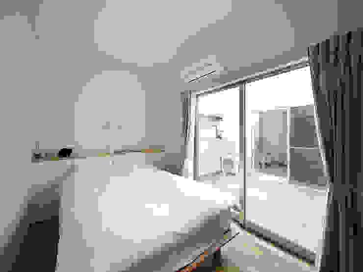 UMH モダンスタイルの寝室 の +0 atelier | プラスゼロアトリエ モダン