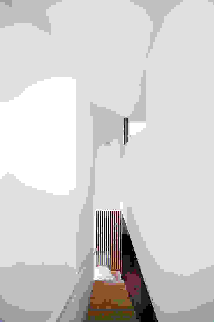 いれこ モダンデザインの リビング の +0 atelier | プラスゼロアトリエ モダン