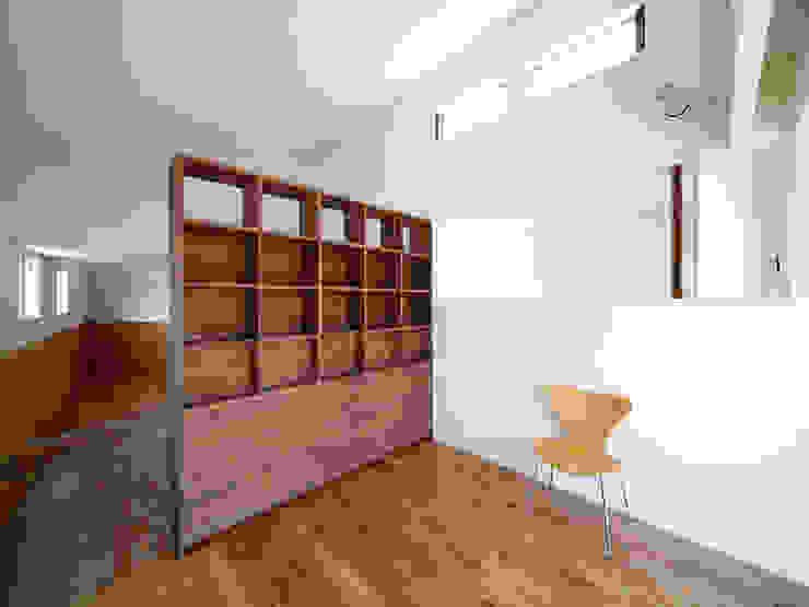 いれこ: +0 atelier | プラスゼロアトリエが手掛けた和室です。,モダン