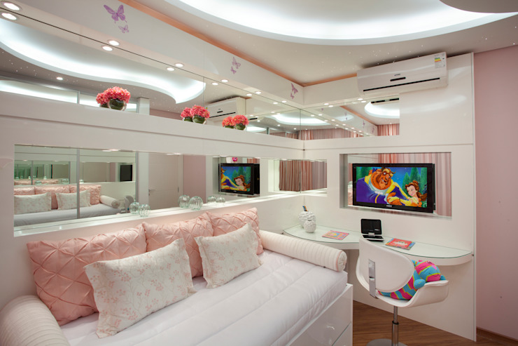 Детская комната в стиле модерн от Designer de Interiores e Paisagista Iara Kílaris Модерн