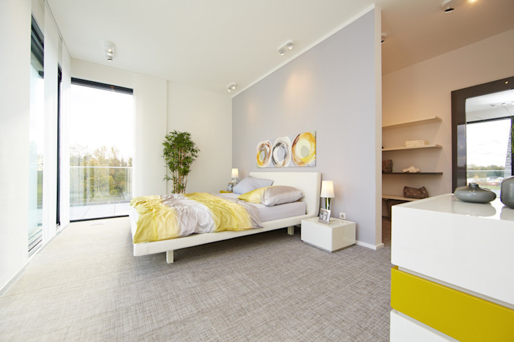 Modern style bedroom by OKAL Haus GmbH Modern