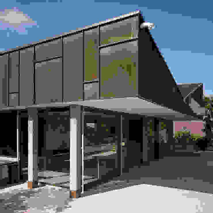 Casas de estilo moderno de Blue Architects Moderno