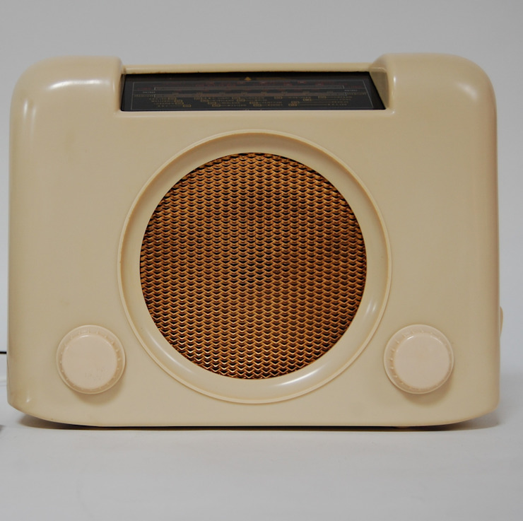 Vintage Cream Bakelite Bush DAC90 Radio Retro Bazaar Ltd Study/office