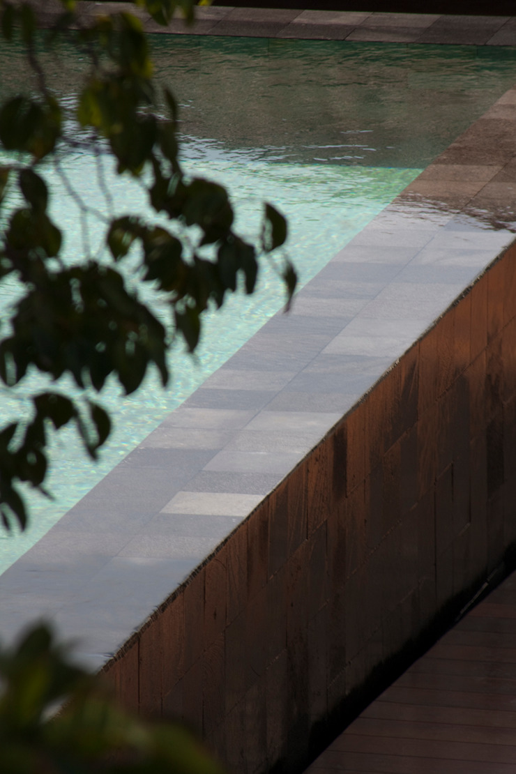 piscina - mostra casa cor 2009 Locais de eventos tropicais por GILBERTO ELKIS PAISAGISMO Tropical