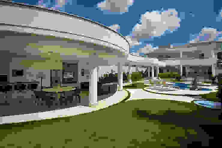 Casa Piracicaba Casas modernas por Arquiteto Aquiles Nícolas Kílaris Moderno