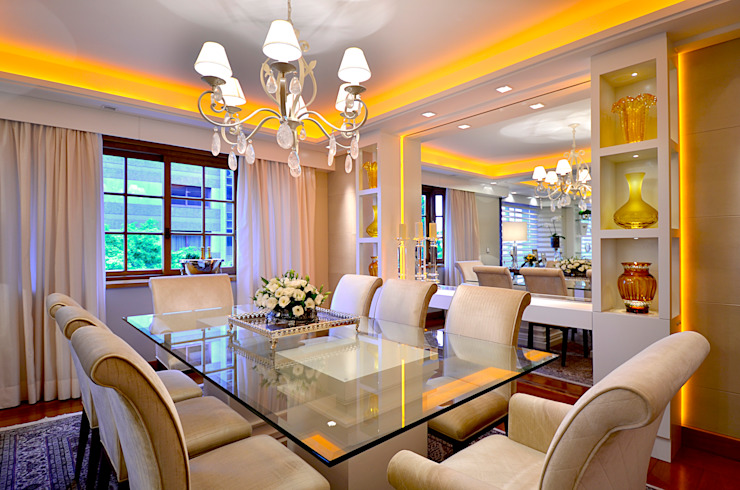 Dining room by homify, Classic