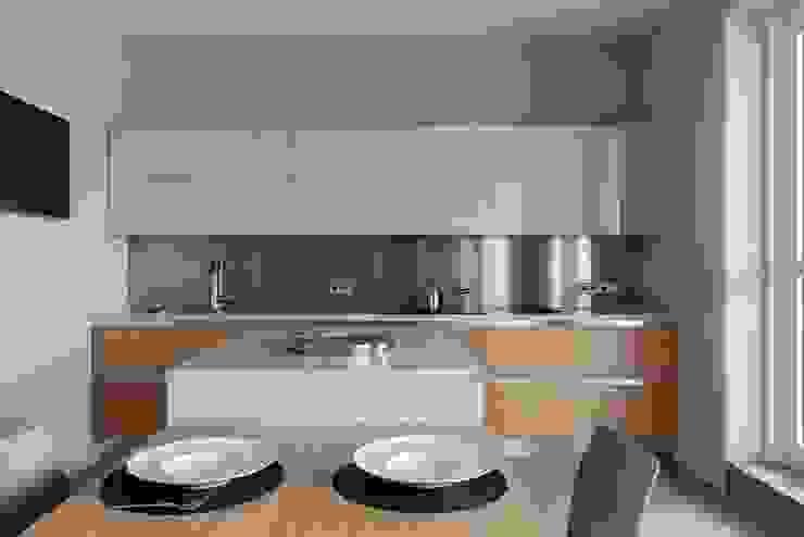 Свет и воздух Кухня в стиле минимализм от Анна и Станислав Макеевы Минимализм