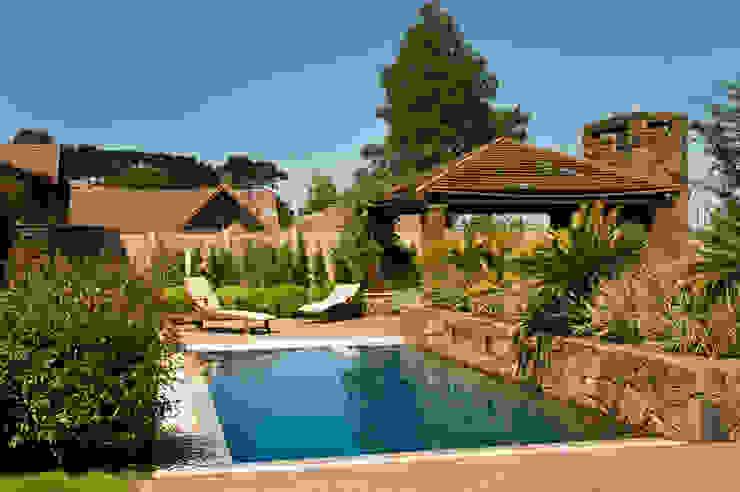 Tellini Vontobel Arquitetura Mediterranean style pool