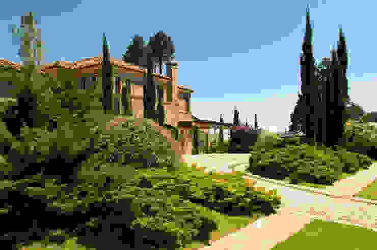 Tellini Vontobel Arquitetura Mediterranean style garden