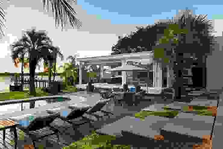 Дома в стиле модерн от Kali Arquitetura Модерн