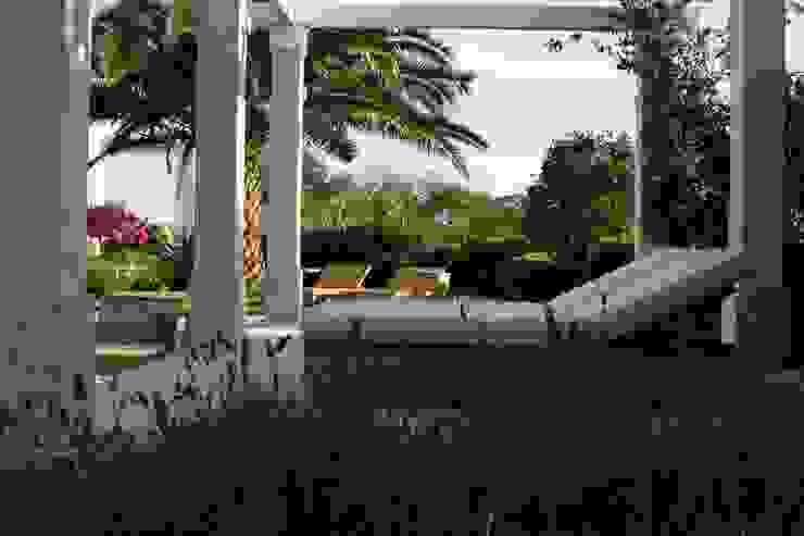 Residência AVD Jardins clássicos por Tellini Vontobel Arquitetura Clássico